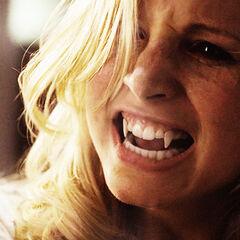 Caroline en vampire