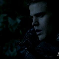 Silas, après avoir été poignardé par Stefan