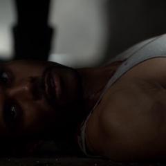 Connor, après avoir été tué par Elena