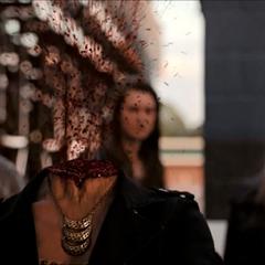 Klaus décapite Aja