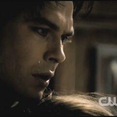 Ne Elena et Damon jamais commencer à dater