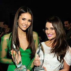 Avec Lea Michele aux People Choice Awards (2012)
