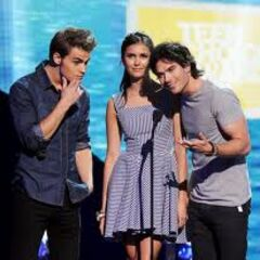 Paul Wesley, Nina Dobrev et Ian Somerhalder: Remise de prix Teen Choice Awards (2011)