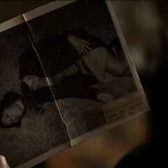Damon décapite Maggie
