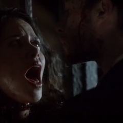 Klaus décapite Kim