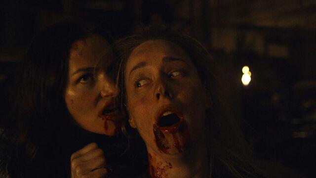 File:Fear Her 1x05 Vanessa bites Susan.jpg