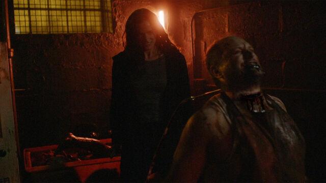 File:He's Coming 1x12 Vanessa kills vampire butcher.jpg