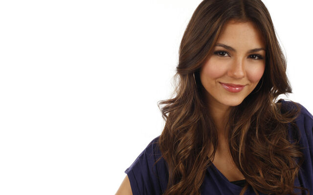 File:Victoria-Justice-2013-Wallpaper-1024x640.jpg