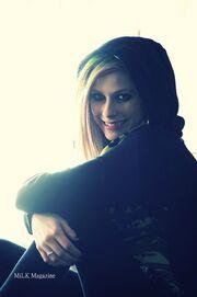 Avril Lavigne in the hood