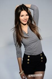 275px-0389victoria justice long sexy 9-1.