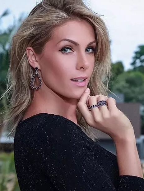 Ana Hickmann   Victoria s Secret Wiki   FANDOM powered by Wikia 3717a8c0c516