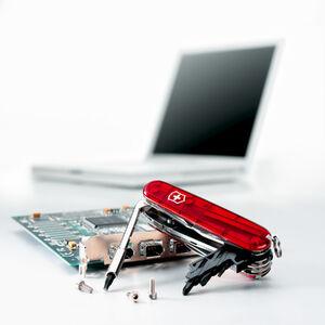 CyberTool 34 with Notebook blur