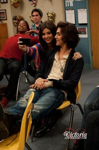 Tori And Beck Hookup In Victorious