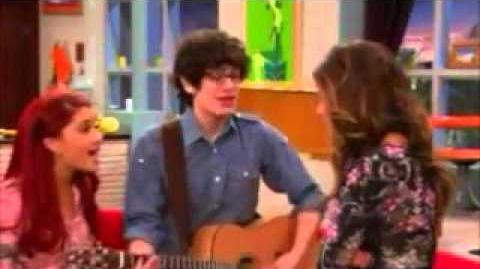 Cat and Robbie singing to Trina in 'Tori & Jade's Play Date'