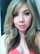 180px-Jennette McCurdy preparty prep pic