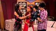 "Victorious ""Robbie Sells Rex"" Sneak Peek"