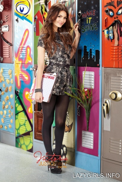 Victoria Justice Photoshoot On The Set Of Victorious 3USjFUZsized