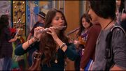 VICTORIOUS S01E10 Becks Big Break-001