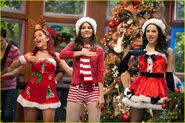 Victoria-justice-holidays-hollywood-arts-08