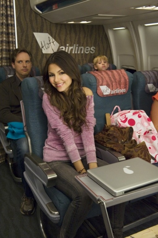 Victorious-wifi-in-the-sky-01