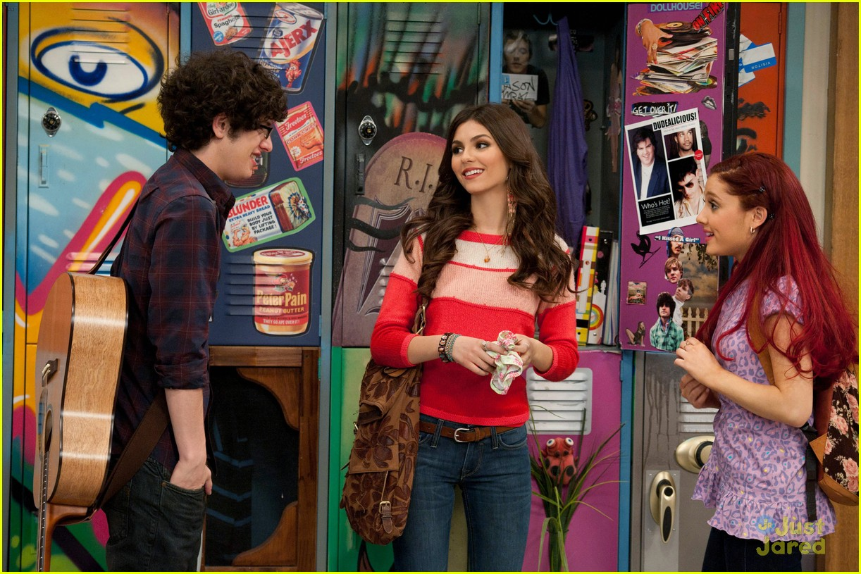 Is beck and tori from victorious hookup