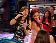 Victorious-moose-girls-9
