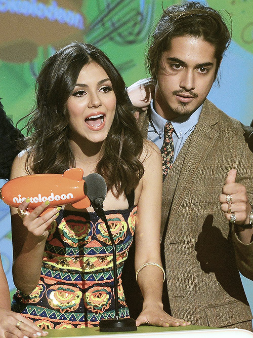 Are Victoria And Avan Dating In Real Life