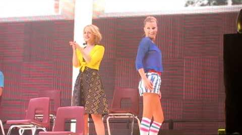 Dianna Agron and Heather Morris dancing around during 'duets' part (Glee Live, MN, 6.1.11)