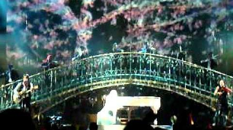 Taylor Swift - Back To December Apologize You're Not Sorry (Live on the Speak Now Tour)