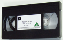 Teddy Bear Sing-Along - Discovering Colours (UK VHS 1995) Cassette with The VCI children's carnival trailer from 1995