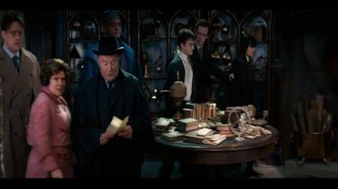 Harry Potter and the Order of the Phoenix - Dumbledore takes the fall