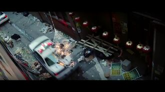 "The Amazing Spider-Man 2 - ""Friendly Neighbor-hood Ornament"" Clip"