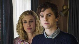 Bates Motel Season 3 Trailer - Normal