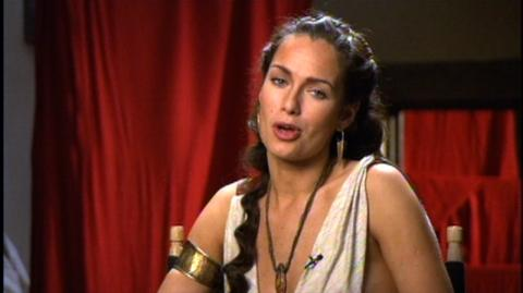 300 (2006) - Interview Lena Headey On Her Support For Her Husband