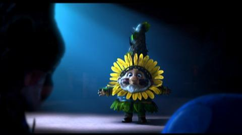 Gnomeo And Juliet (2011) - Clip Gnomeo Goes Stealth