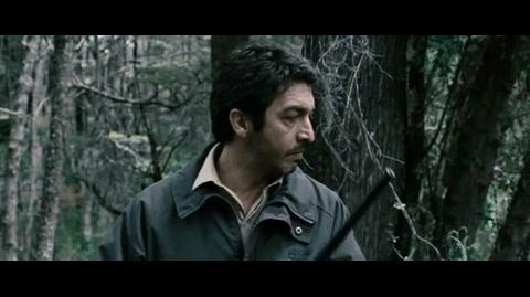 El aura - esteban wandering around in the woods