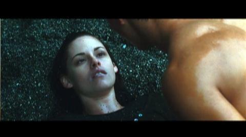 The Twilight Saga New Moon (2009) - Trailer for this popular vampire saga