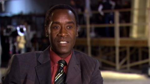 """Hotel For Dogs (2009) - Interview Don Cheadle """"On his character and making a movie his kids can see"""""""