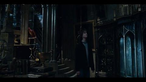 Harry Potter and the Goblet of Fire - looking around Dumbledore's office