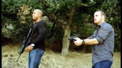 NCIS Los Angeles The First Season (2010) - Clip Callen And Sam Pursue A Suspect On Foot