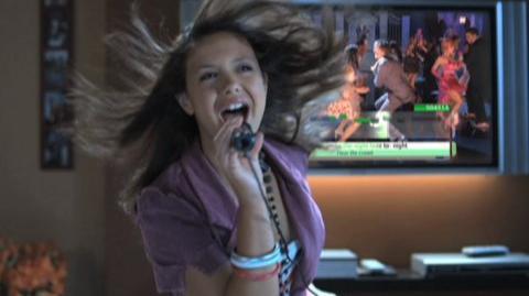 Disney Sing It High School Musical Three Senior Year (VG) (2009) - X360, PS2, PS3, Wii