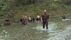 The Hobbit Desolation of Smaug - Barrel Riding Featurette