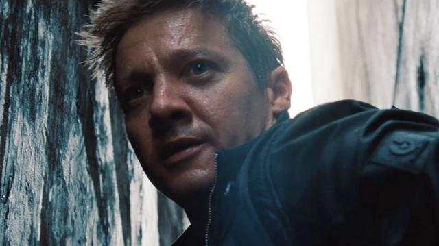 The Bourne Legacy Clip - Rooftop Rescue