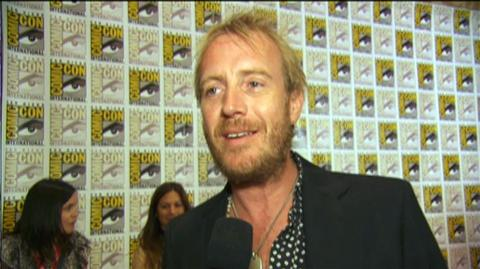 The Amazing Spider-Man (2012) - Interview Rhys Ifans at Comic-Con