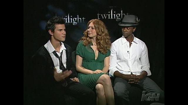 Twilight (2008) Movie Interview - Taylor Lautner, Rachelle Lefevre & Edi Gathegi
