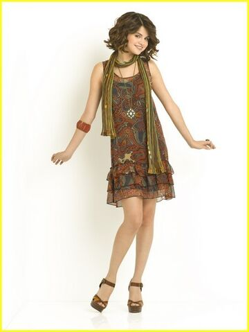 File:Alex-Russo-wizards-of-waverly-place-14622678-451-600.jpg