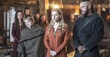 Vikings season2 episode1 gallery 3-p