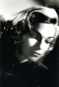 Simone-signoret-recording-artists-and-groups-photo-u3