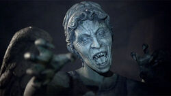 Weeping Angels Attacking