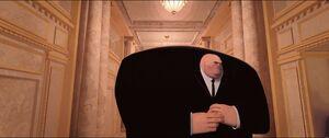 Kingpin entering elevator